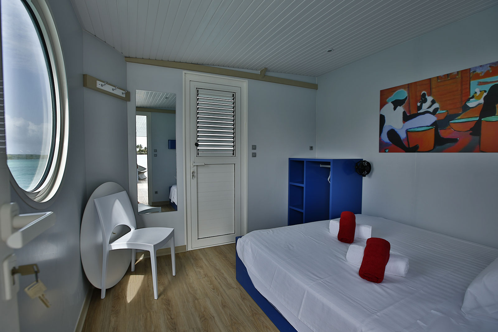 http://www.deshotelsetdesiles.com/hotel-vol-guadeloupe/photos/360Productions-34.jpg