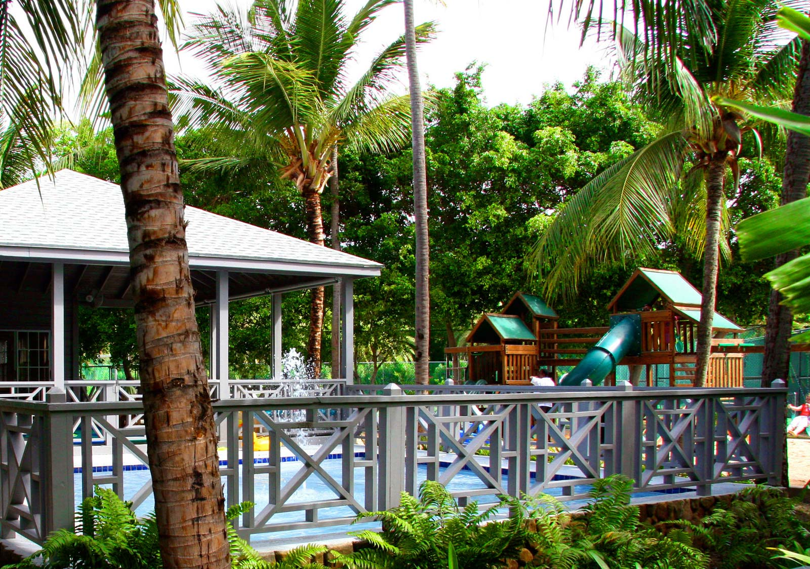 http://www.deshotelsetdesiles.com/hotel-vol-guadeloupe/photos/H29HPH2Y.jpg