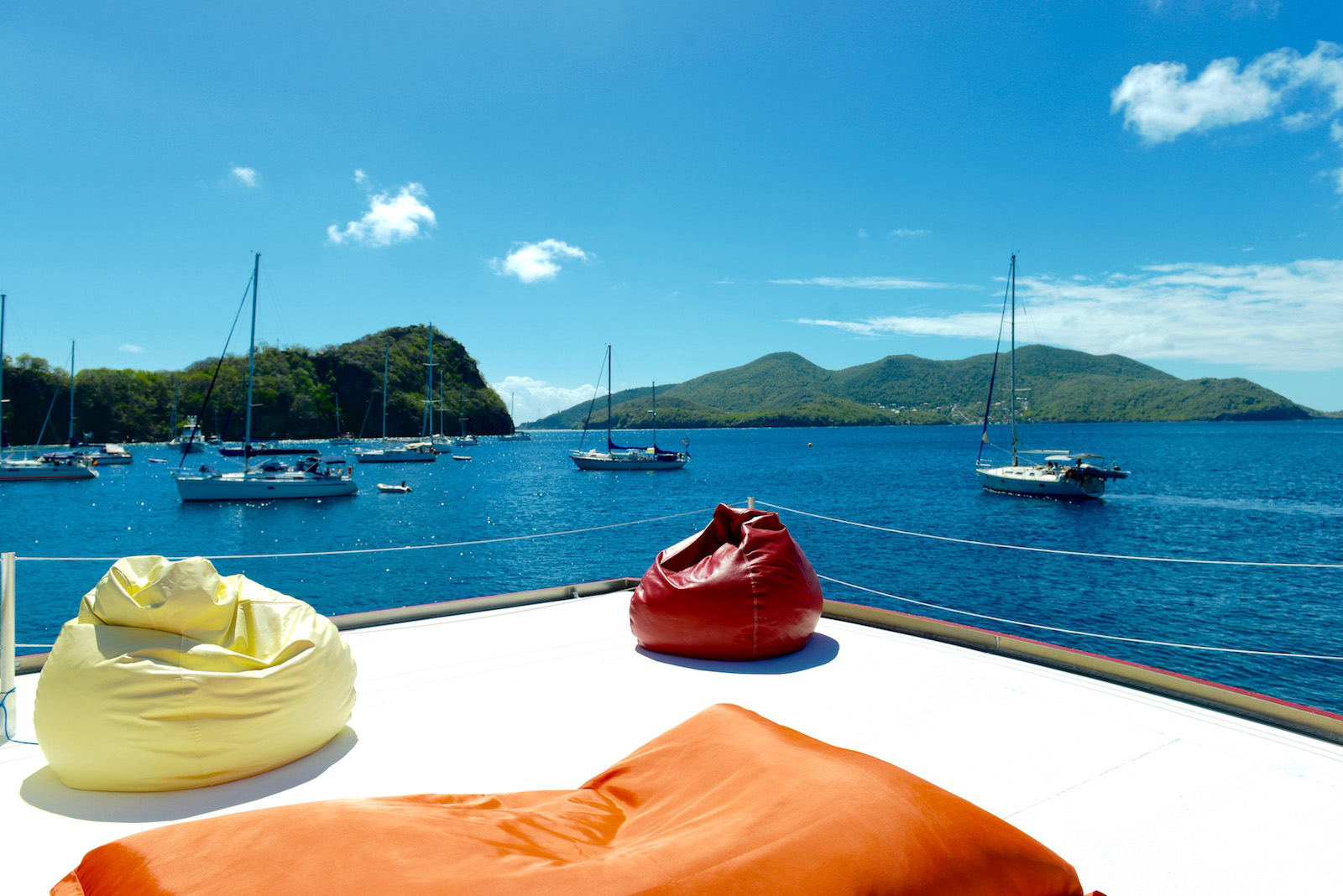 http://www.deshotelsetdesiles.com/hotel-vol-guadeloupe/photos/_DIG1606.jpg